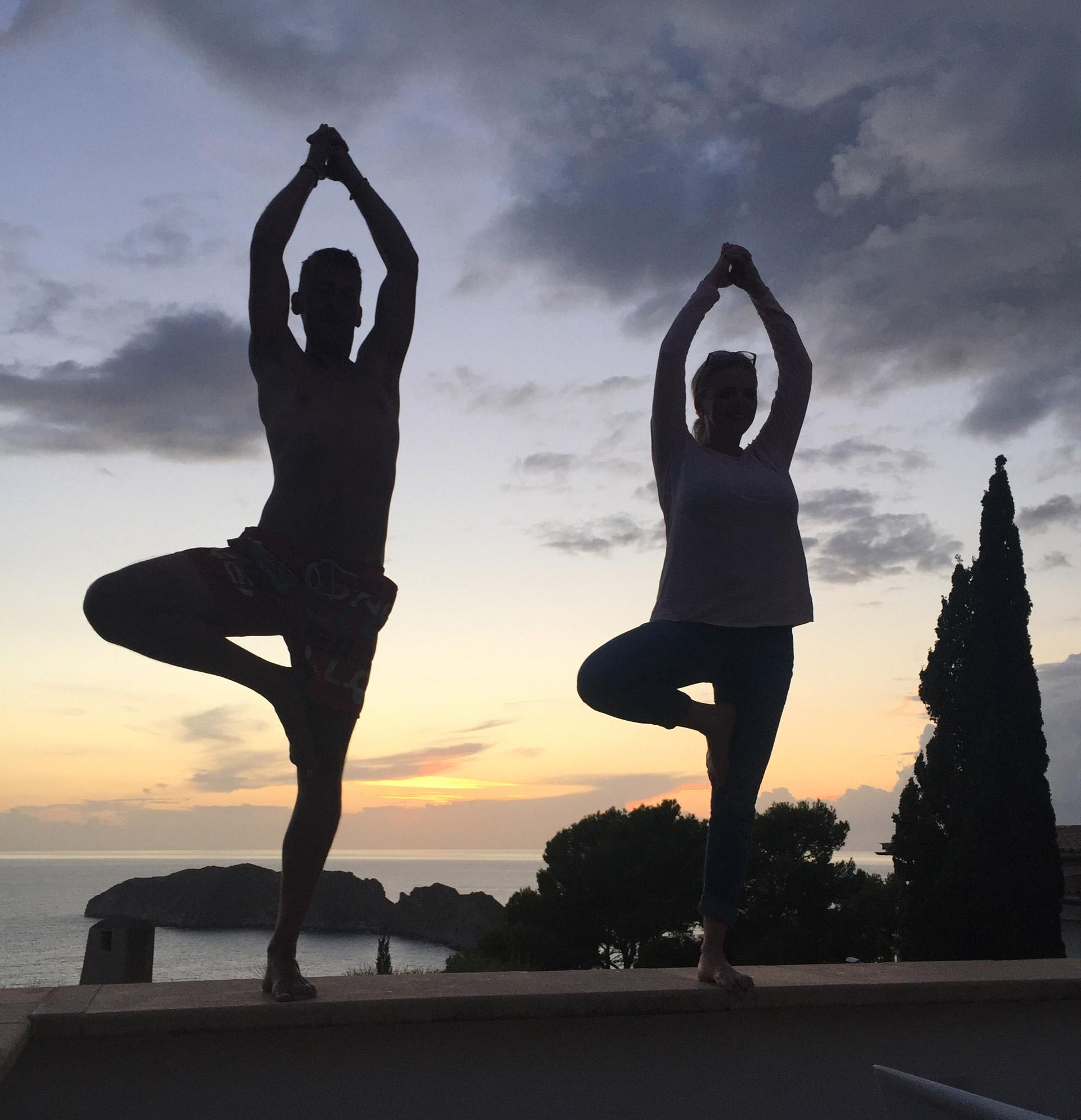 zeinyoga Bild in Spanien mit Kerstin Hildebrand beim Yoga